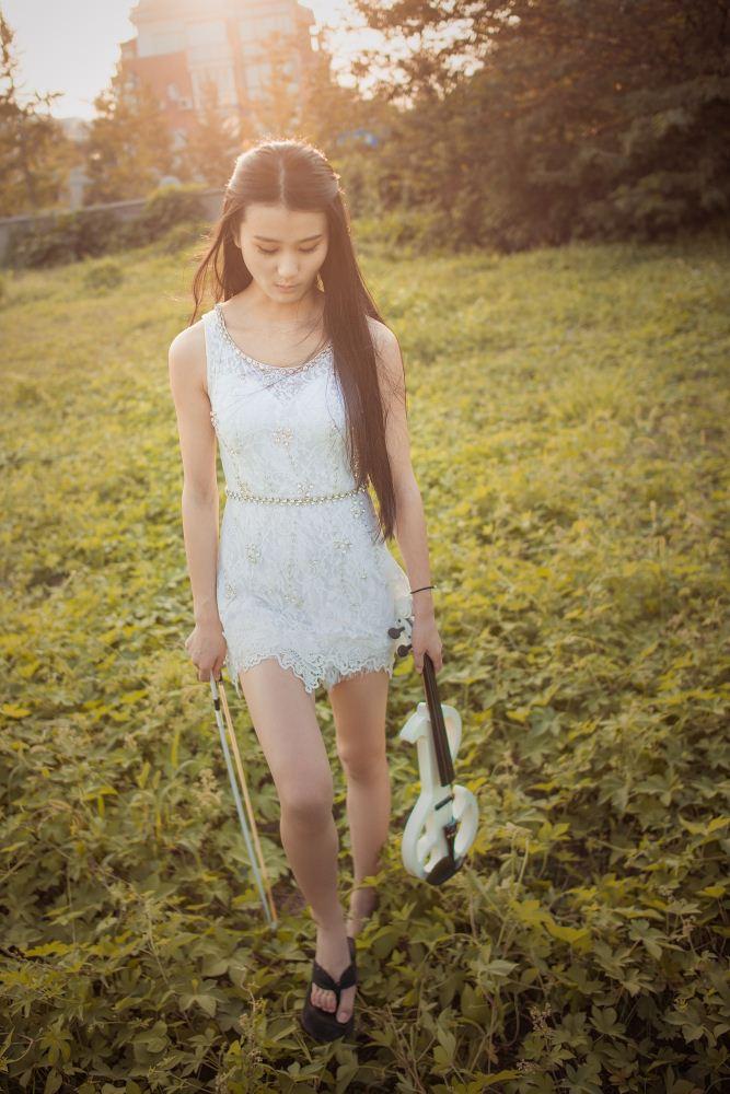 小提琴美女